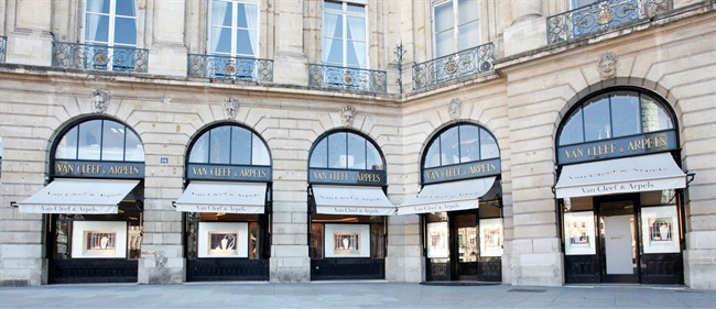 van-cleef-and-arpels-boutique-vendome-3